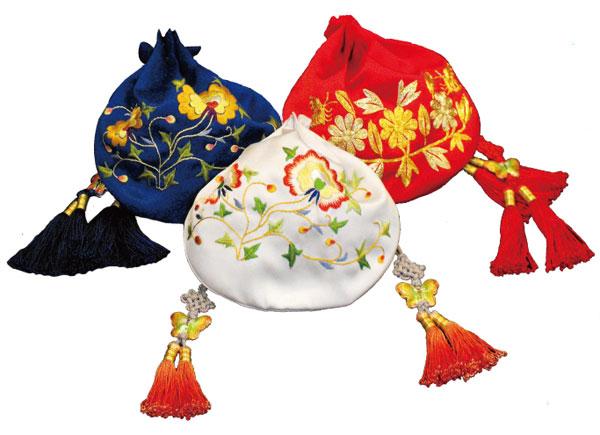 实用性 传统刺绣美学; 刺绣,流苏精品-盘金福袋 刺绣,流苏精品-恋香巧